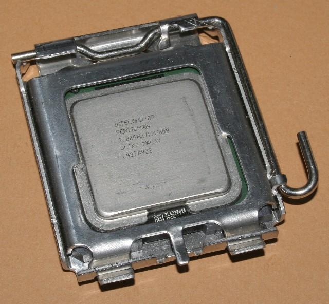 Pentium4-2800sl7kj.jpg
