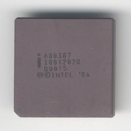 Intel_A80387_Q0015_F.jpg