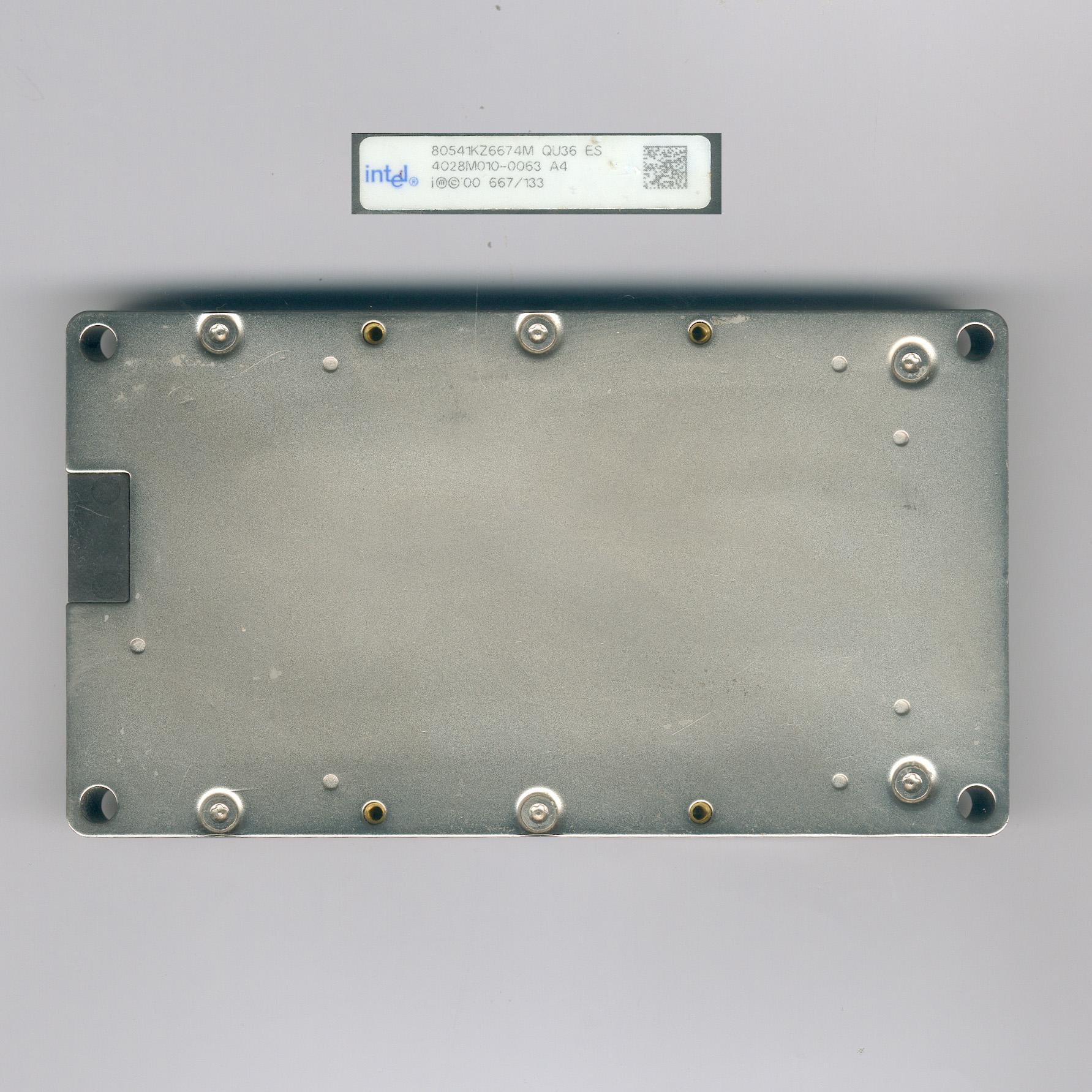 Intel_Itanium667_QU36ES_F.jpg
