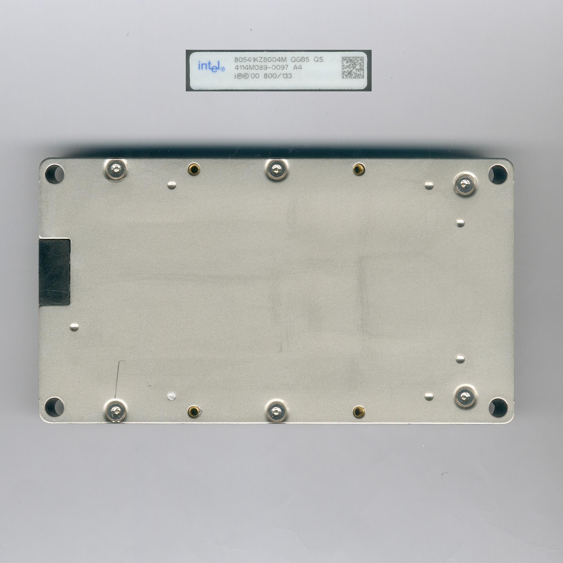 Intel_Itanium800_QGB5_F.jpg
