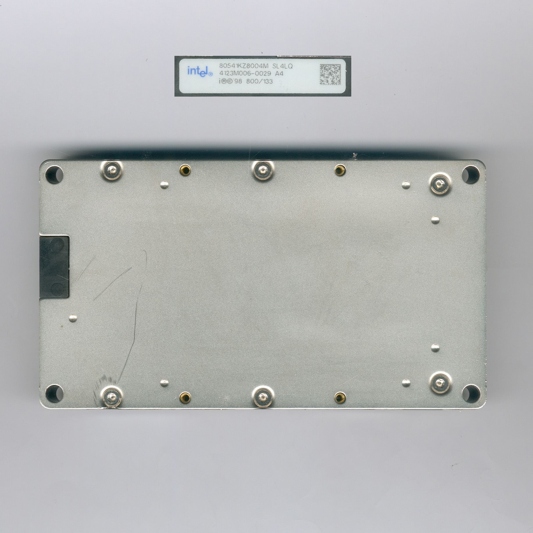 Intel_Itanium800_SL4LQ_F.jpg