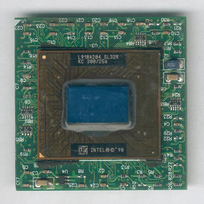 Intel_P2M300_SL32R_F.jpg