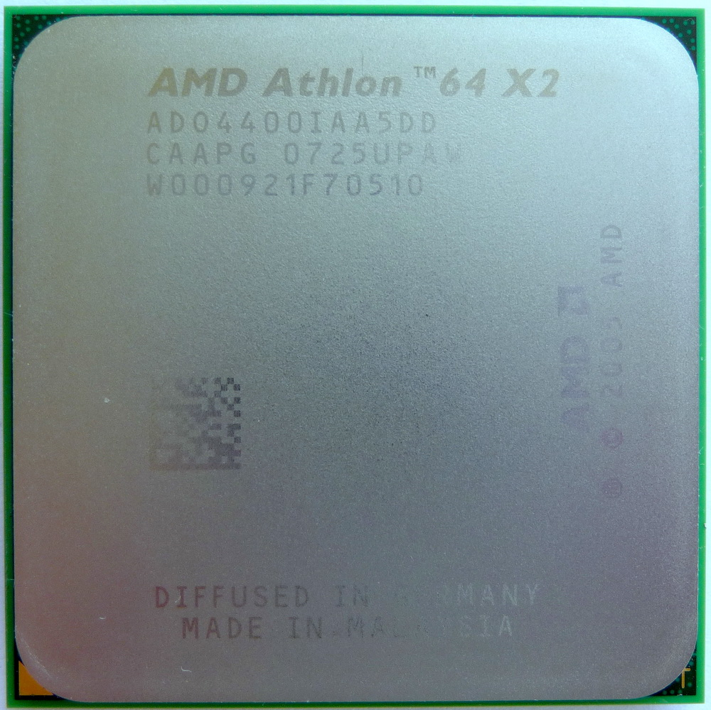AMD Athlon 64 X2 4400+ EE socket AM2 (Brisbane) 01.jpg