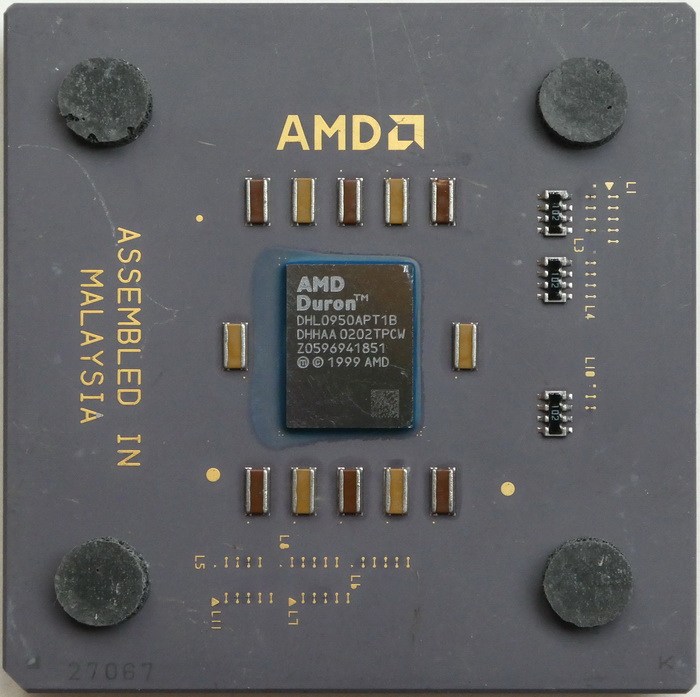 AMD Duron 950 Low Power (Model 7) DHL0950APT1B DHHAA 01.jpg