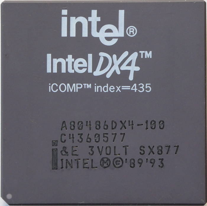 Intel A80486DX4-100 SX877 (marquage laser) 01.jpg