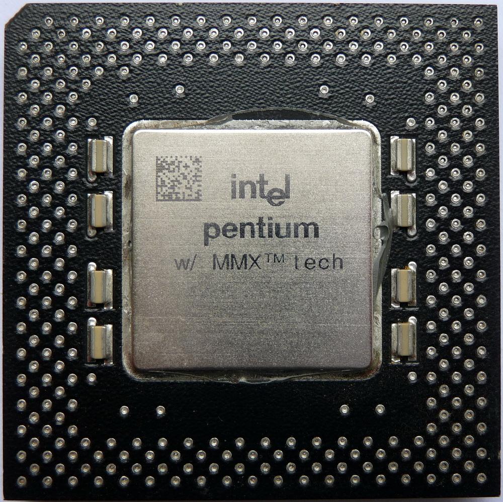 Intel%20Pentium%20MMX%20233%20PPGA%20SL2