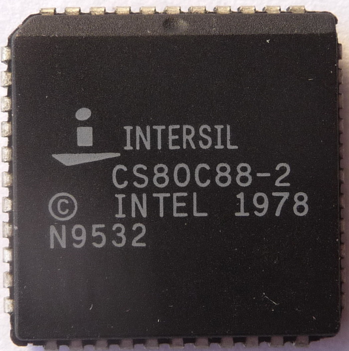Intersil CS80C88-2 PLCC 01.jpg