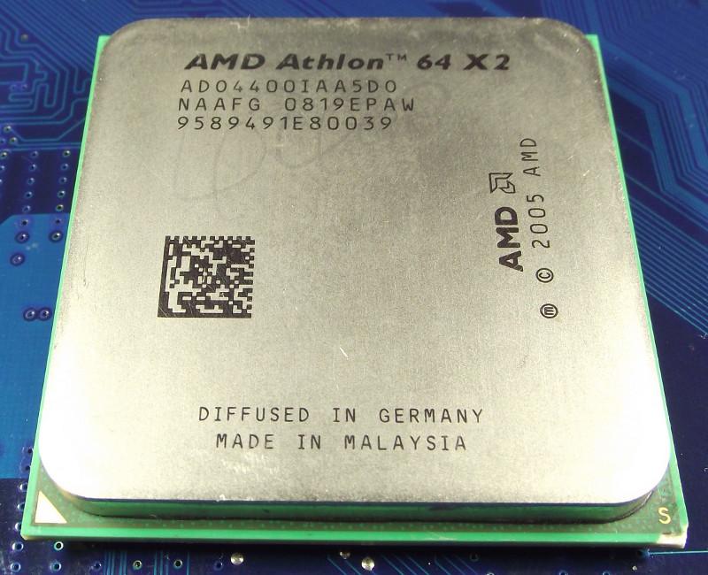 AMD_Athlon_64_ADO4400IAA5DO_top.jpg