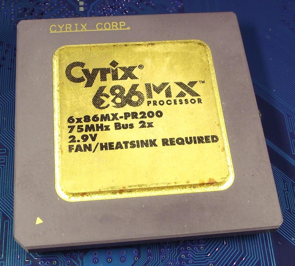Cyrix_6x86MX_PR200_75MHz_round_top.jpg