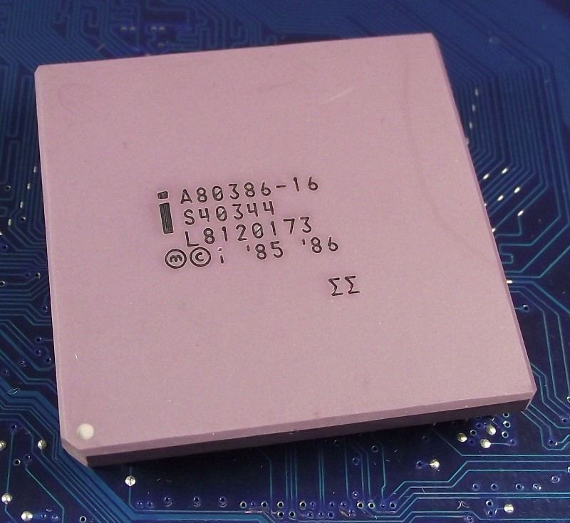 Intel_A80386-16_top.jpg