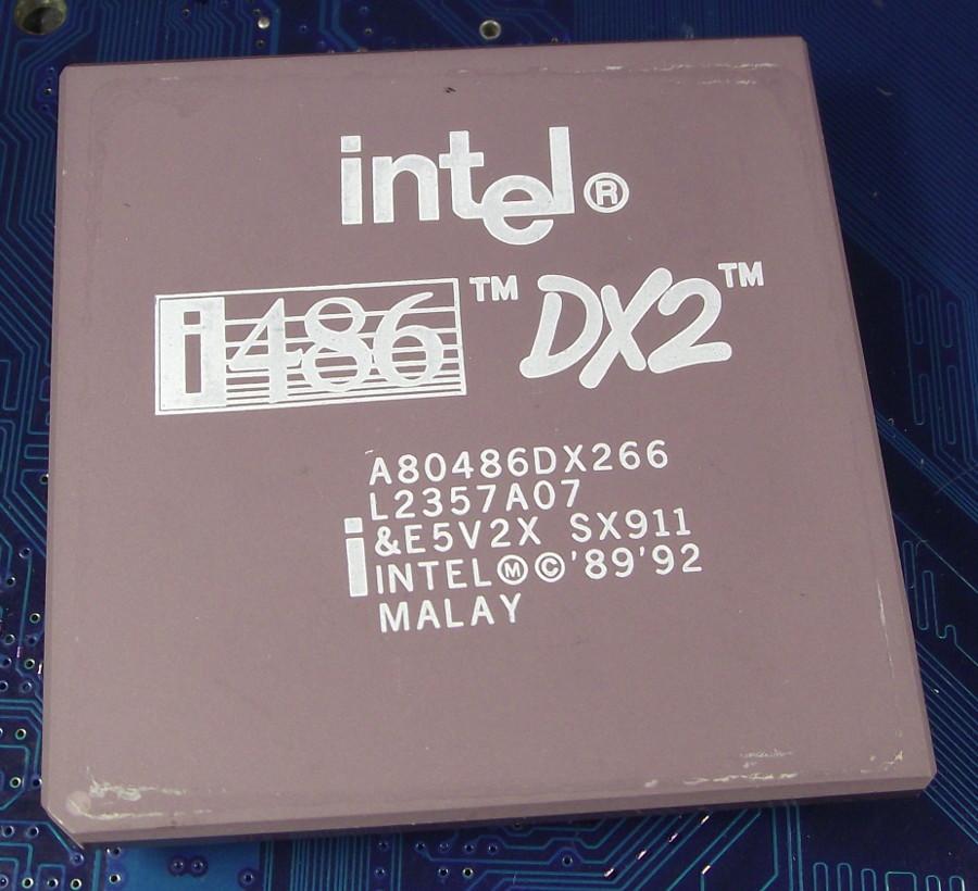 Intel_A80486DX2-66_SX911_white_print_top.jpg