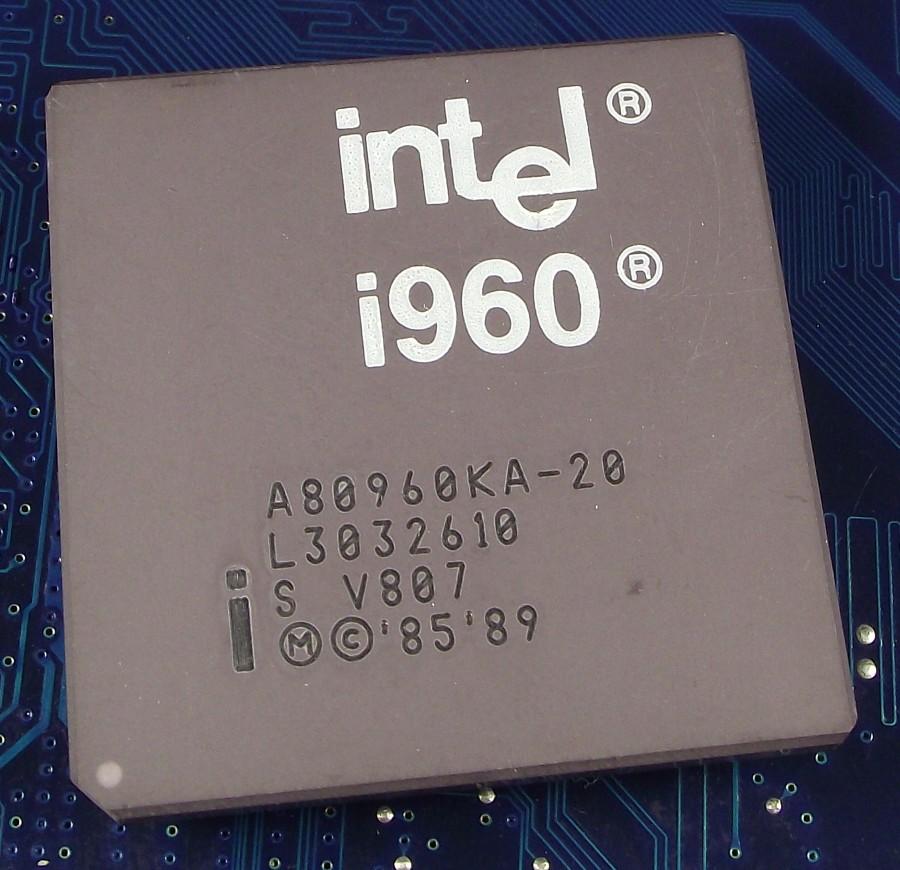 Intel_A80960KA-20_top.jpg