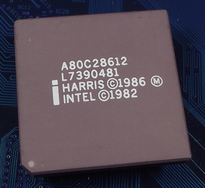 Intel_A80C28612_top.jpg