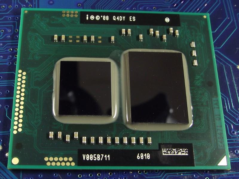 Intel_CelDC_U3400_1067MHz_Q4DY_top.jpg