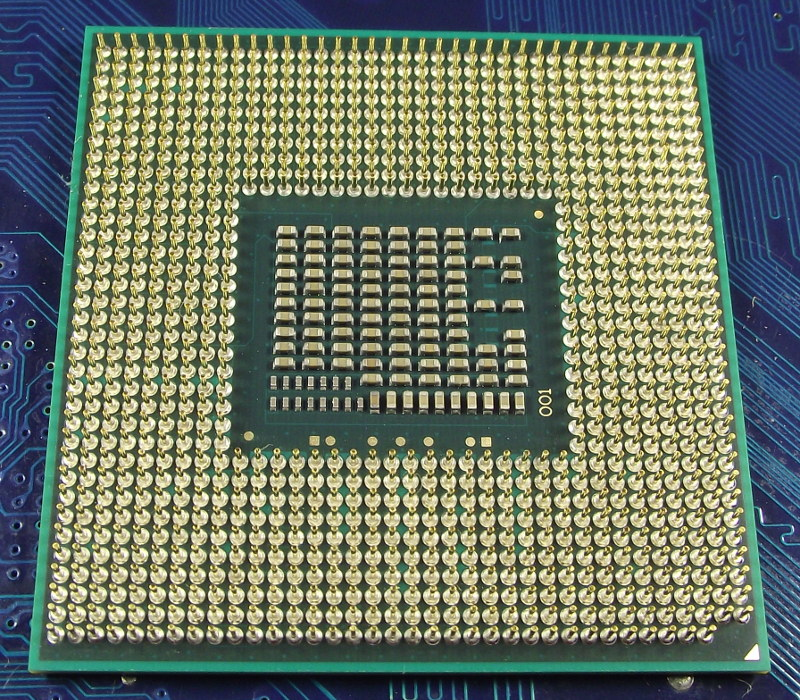 Intel_Ci3_2350M_2300-3M_SR0DN_bot.jpg
