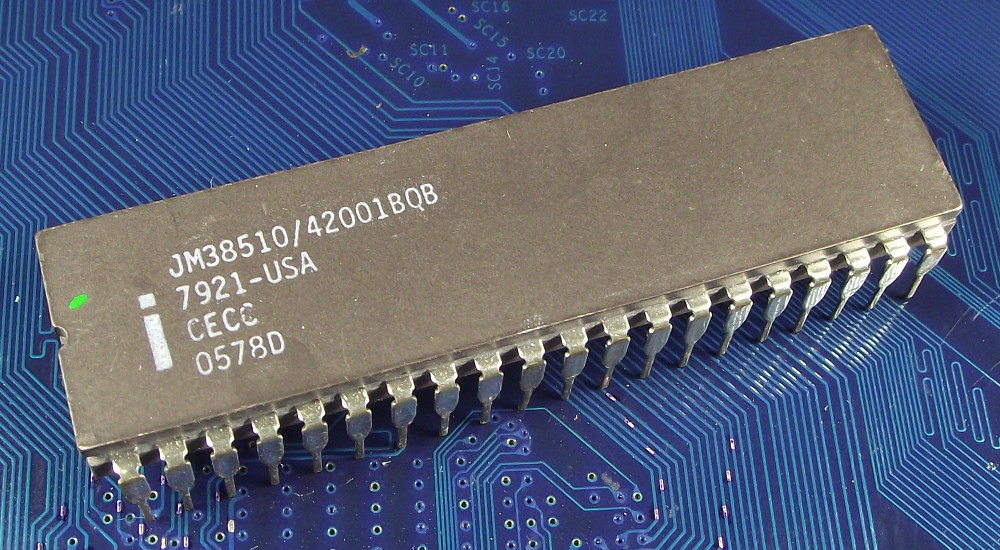Intel_JM38510-42001BQB_MD8080AB_top.jpg