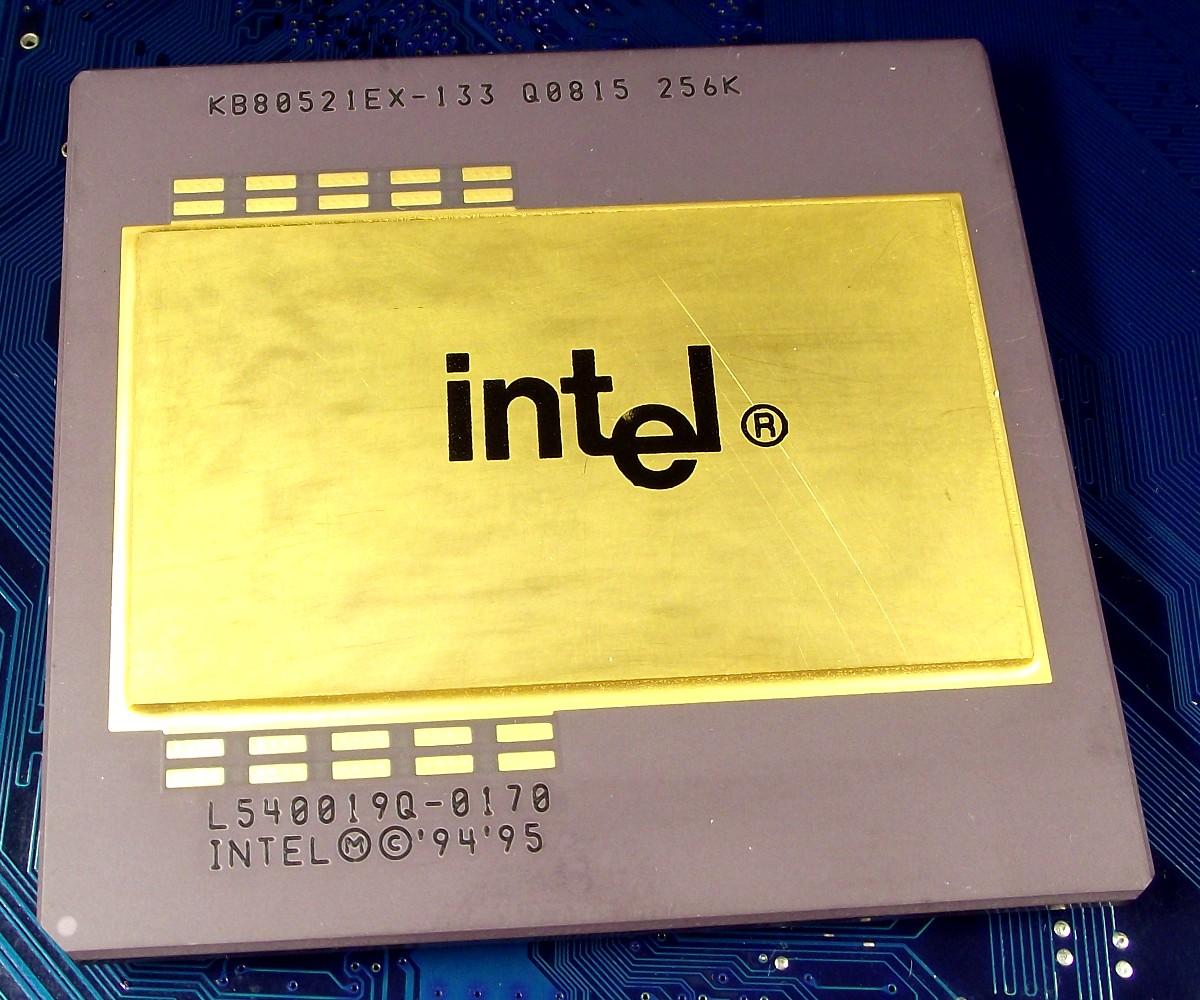 Intel_PPro_KB80521EX-133_Q0815_256K_top.jpg