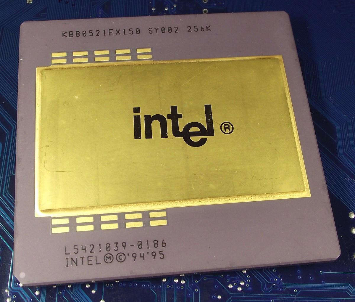 Intel_PPro_KB80521EX150_SY002_256K_top.jpg