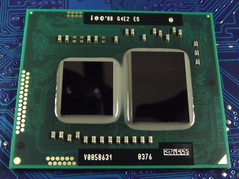 Intel_PentDC_U5400_1200MHz_Q4E2_top.jpg