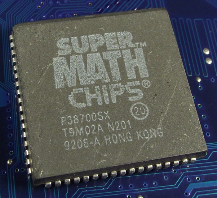 SuperMath_Chips_P38700SX_20_top.jpg