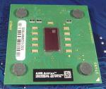 AMD_Athlon_AXDA2600_green_top.jpg