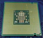 Intel_C2D_E4400_2000-2M-800_SLA98_bot.jpg