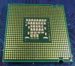 Intel_C2D_E6300_1867-2M-1066_SL9TA_bot.jpg