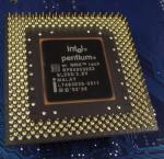Intel_P1_A80503233_MMX_SL293_bot.jpg