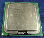 Intel_P4-530_3000-1M-800_SL7J6_top.jpg